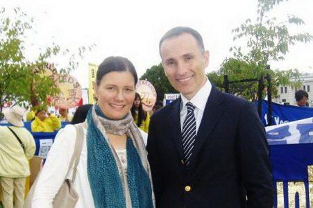 瑞典億萬富翁瓦西柳斯和夫人