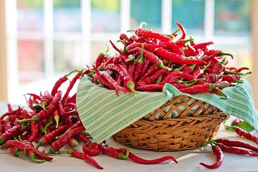 吃辣椒雖然好處多,但有四種人不要吃。